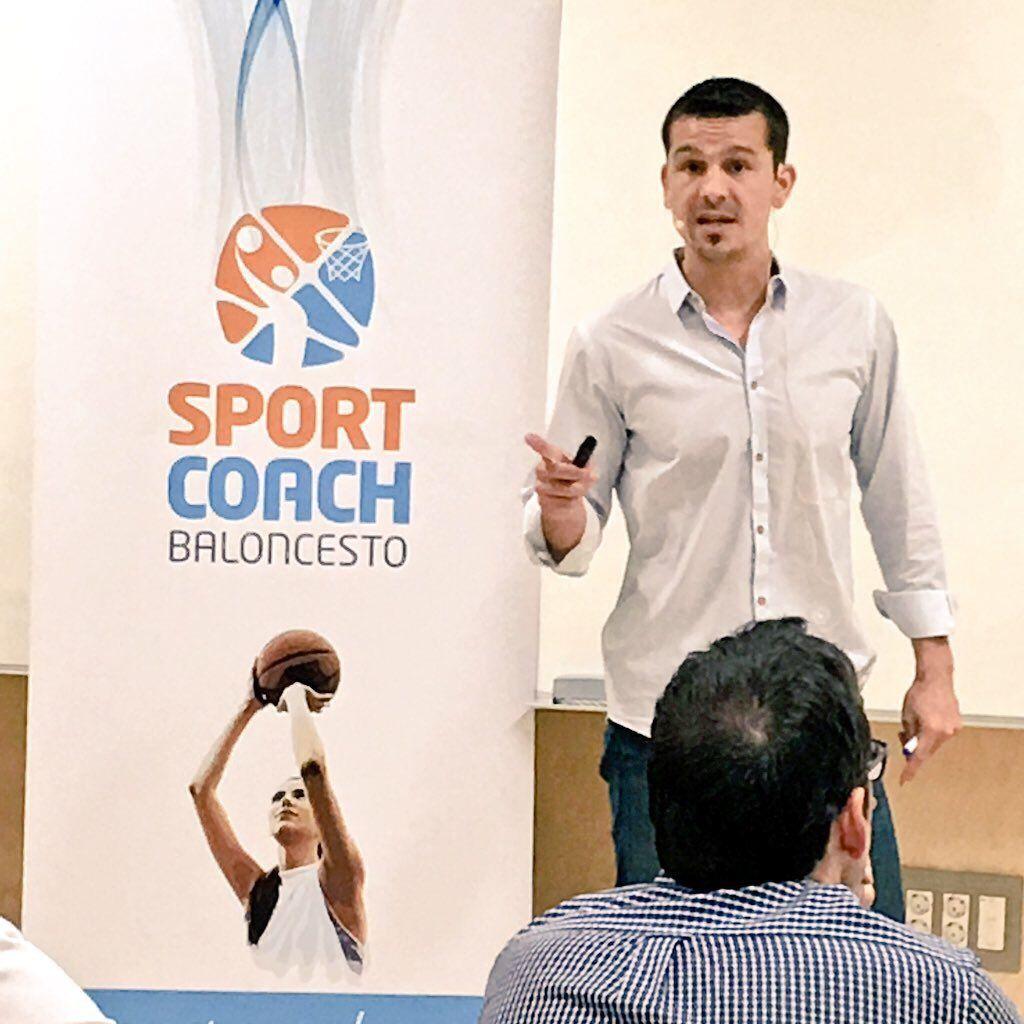 Xavi Schelling dando clases en el Máster De Dirección Deportiva 2018