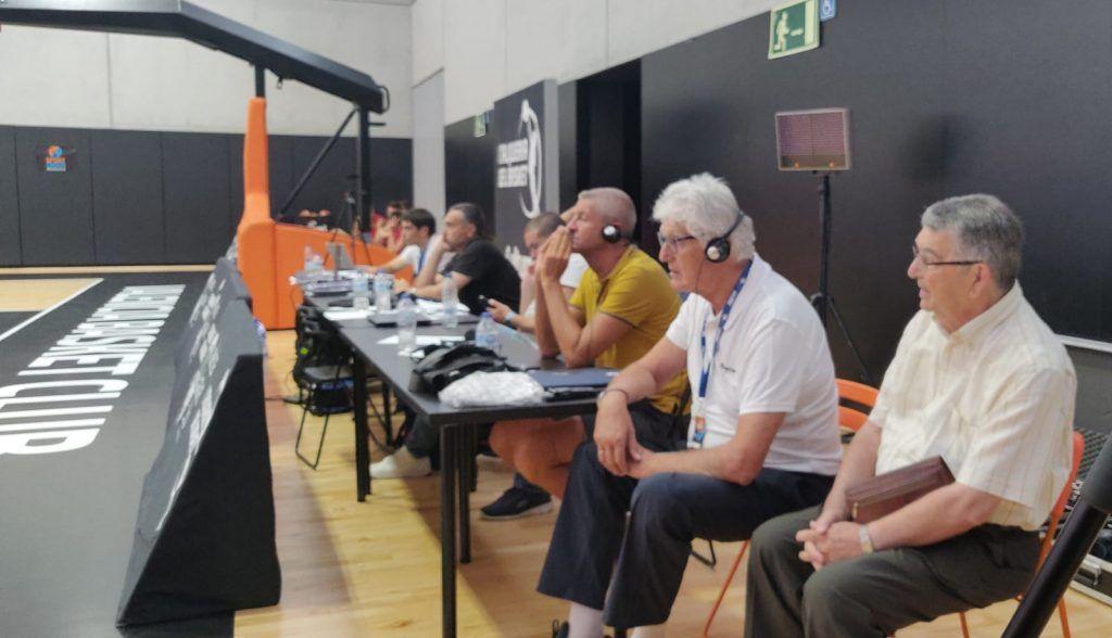 Grandes entrenadores asisten al clínic de Dimitris Itoudis en el Pro Coach