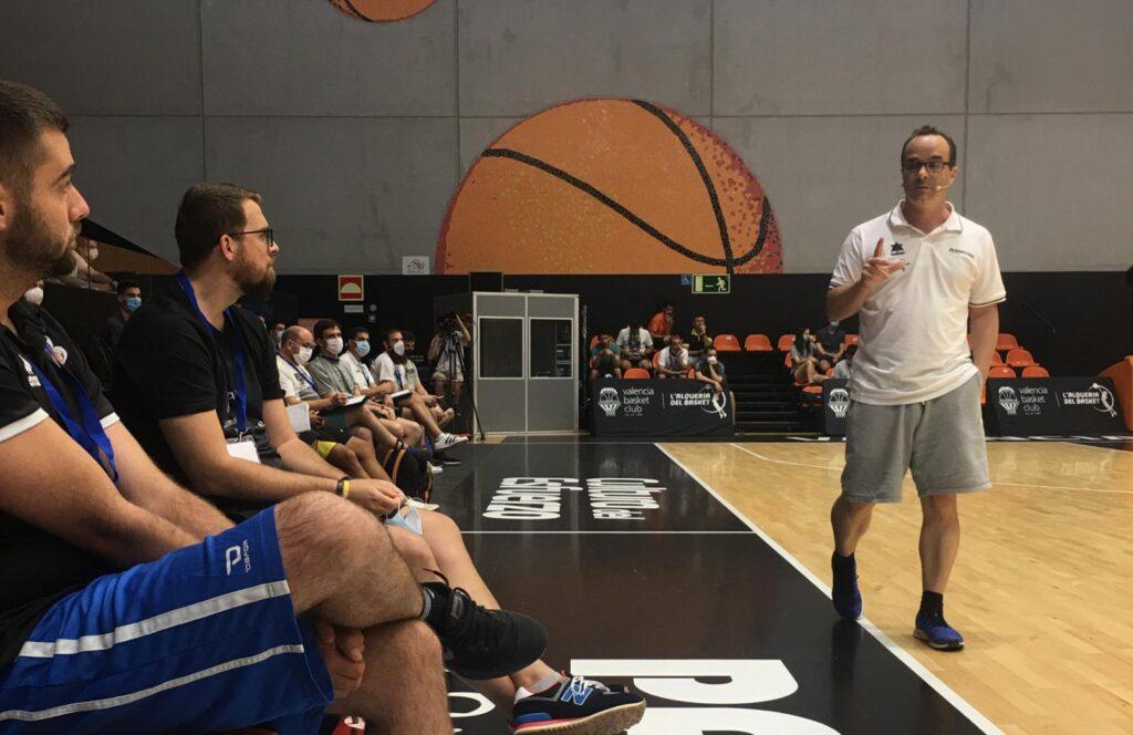 Diego Ocampo, maestro de formación