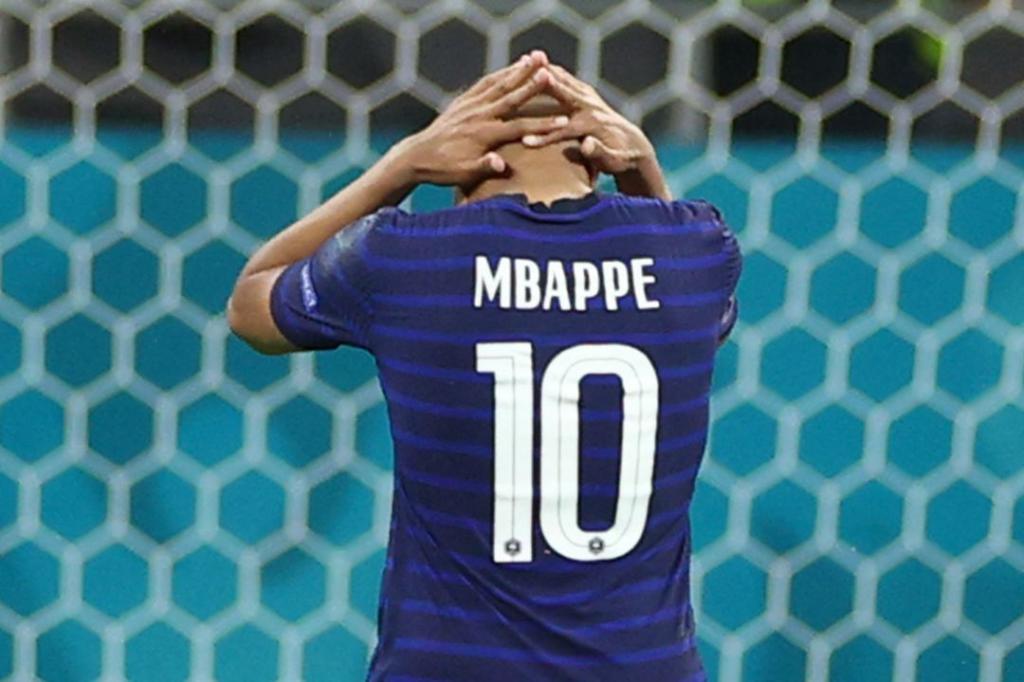 Mbappe tras fallar un penalty frente a millones de espectadores